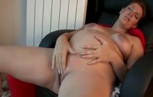 Dana Rubs Her Clit