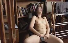 Pregnant babe masturbates to orgasm